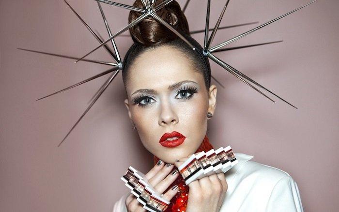 Юлия Санина — вокалистка