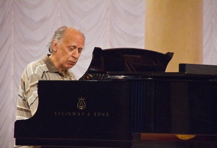 Валентин Сильвестров — известный украинский композитор