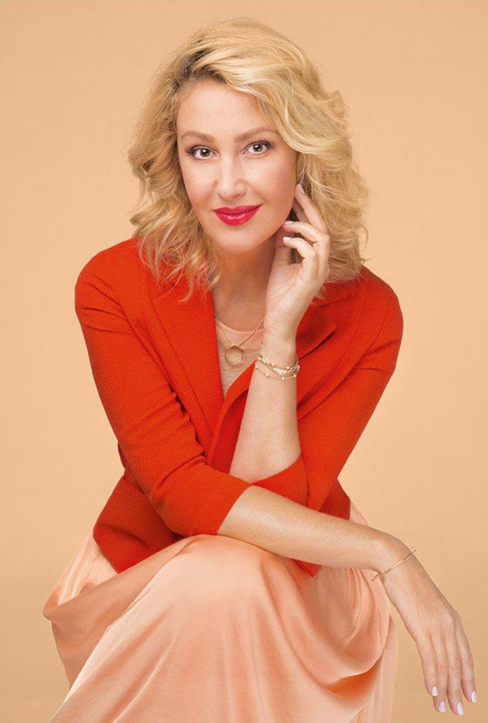 Сніжана Єгорова — українська телеведуча та актриса.