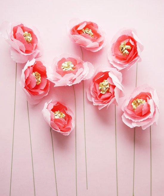 Сделать цветы из бумаги своими руками - инструкция 1