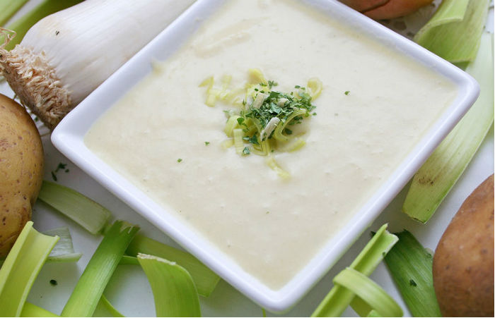 Французский крем-суп с картофелем и луком-порей