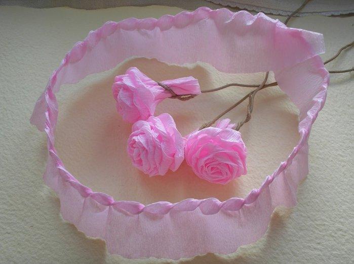 Розы из гофробумаги своими руками - фото 13