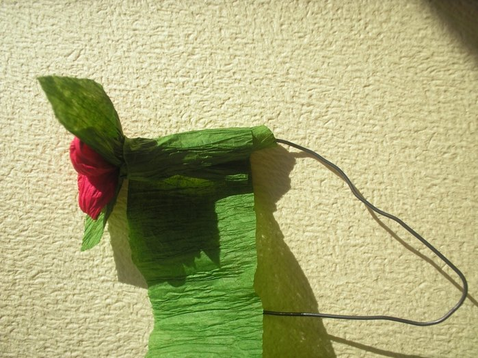 Букет квітів з гофрованого паперу своїми руками - фото 16