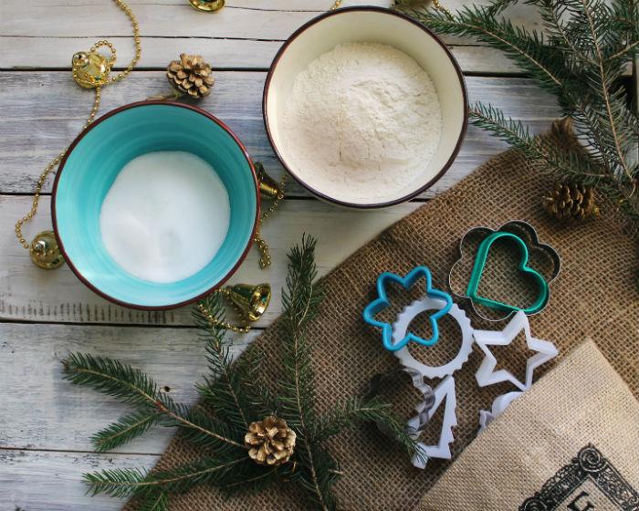 Прикраси для подарунків з солоного тіста