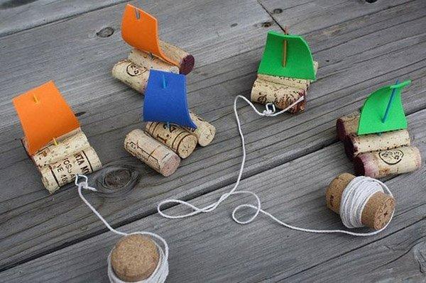 Летние поделки с детьми своими руками - кораблики из винных пробок, фото 1