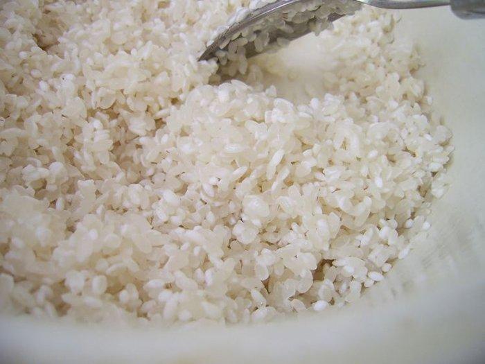 Як готувати суші, інструкція - фото 2 (як приготувати рис для суші)