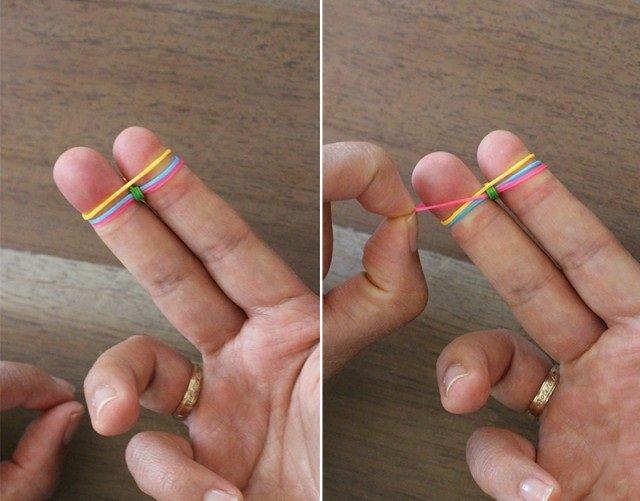 Плетіння резинками, браслети на пальцях. Інструкція - фото 4