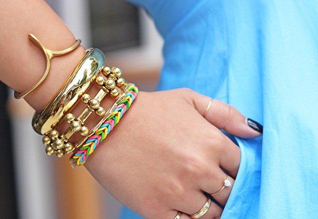 Плетение резинками - браслеты на пальцах