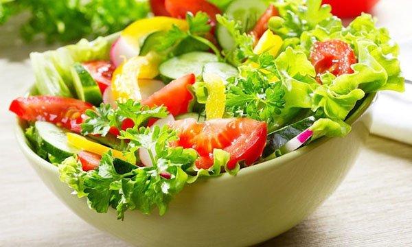 Смачні заправки для овочевих салатів