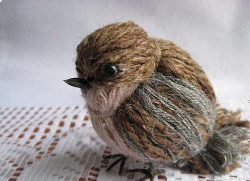 Птичка из ниток фото 18