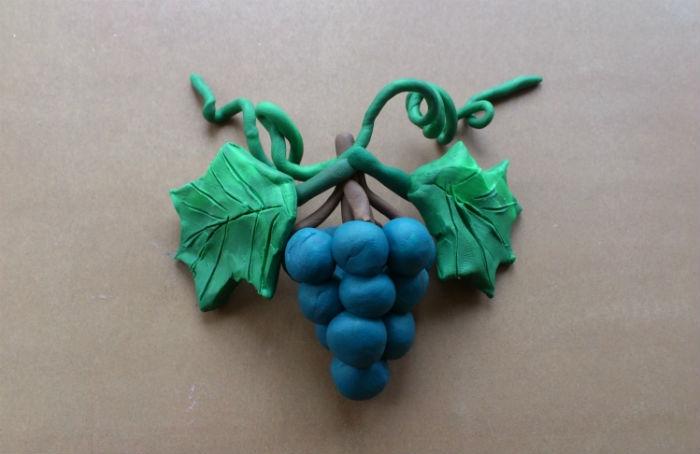 виноград із пластиліну