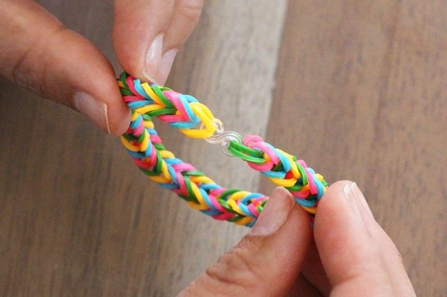 Плетение резинками без станка, инструкция - фото 10