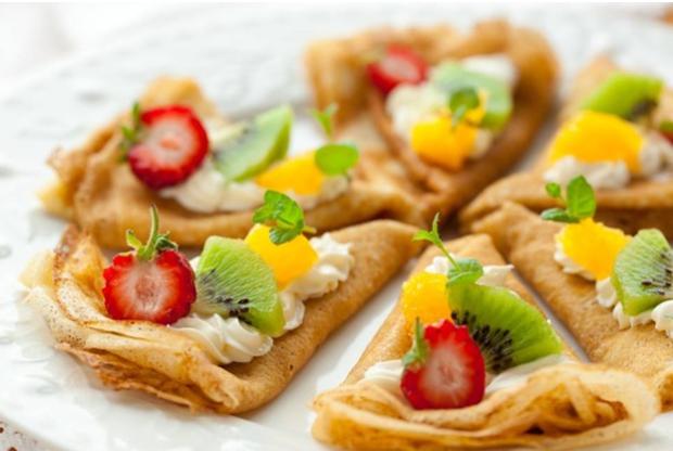 Начинка с сыром рикотта, киви и ягодами