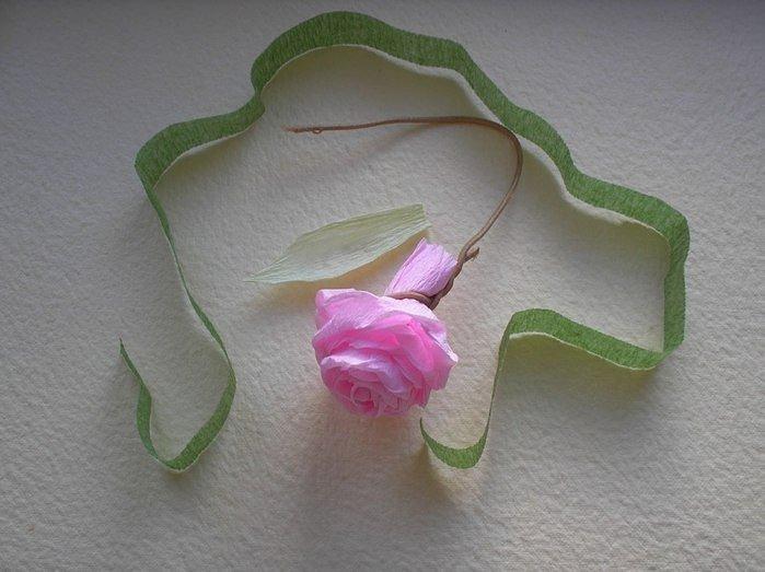 Троянди з гофрованого паперу своїми руками - фото 14
