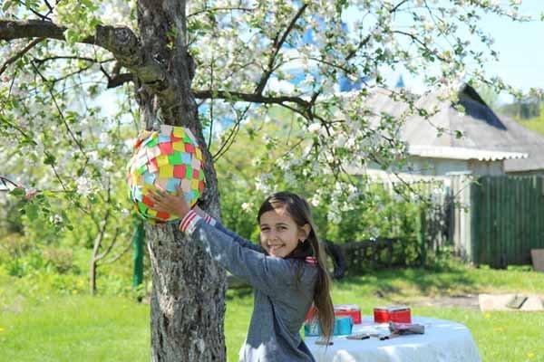 Яскраві літні саморобки з дітьми своїми руками - піньята, фото 1