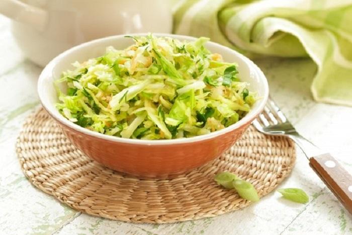 Капустяно-яблучний салат, рецепт