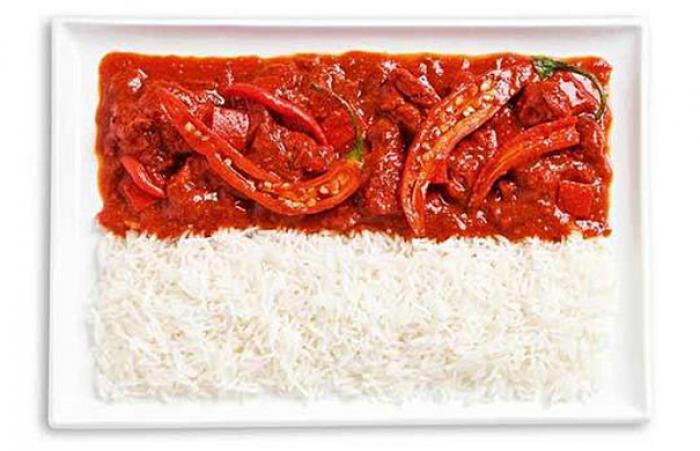 Национальный флаг Индонезии из еды