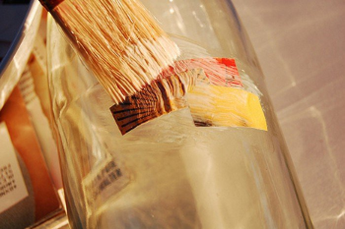 Зробити вазу зі скляної пляшки