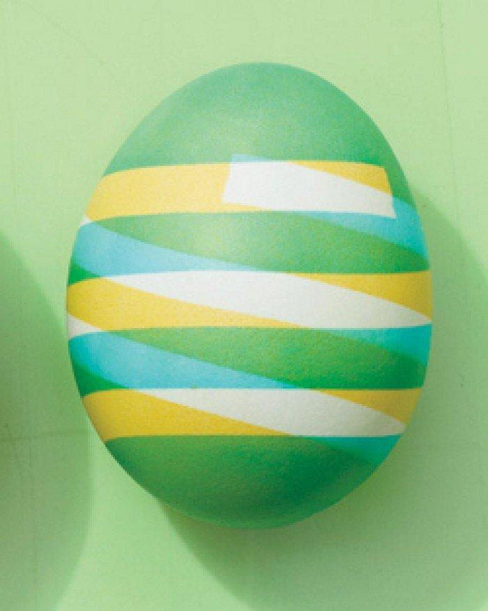 Фарбуємо пасхальні яйця, обклейка ізострічкою, крок 5
