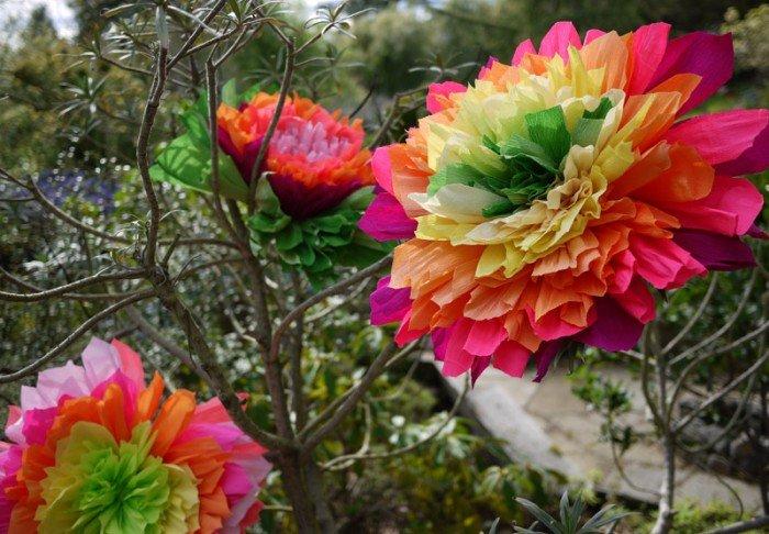 Квіти з гофрованого паперу для дітей