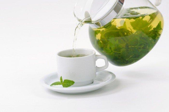 Согревающий напиток: зеленый чай с медом