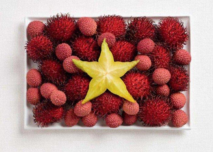 Національний прапор В'єтнаму з їжі