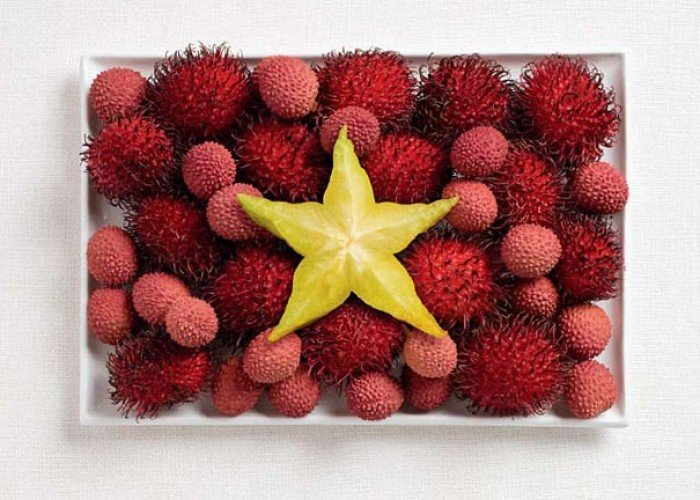 Национальный флаг Вьетнама из еды