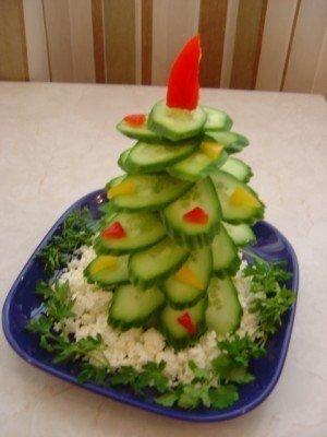 Елочка на стол из овощей - фото 3