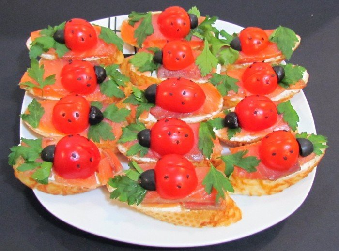 Закуски и бутерброды на новый год 2013 с фото