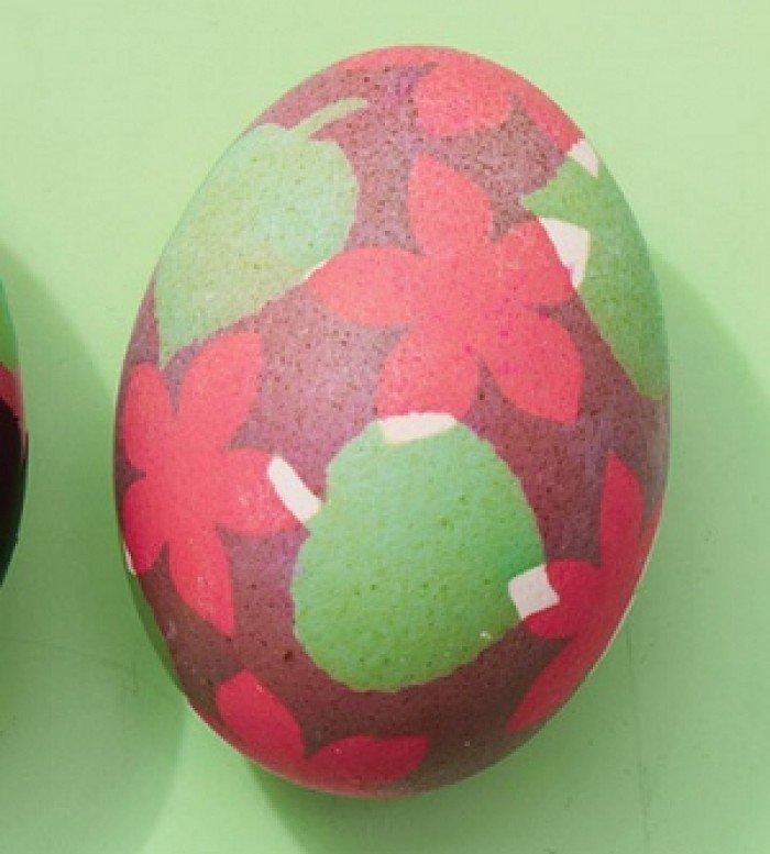 Фарбуємо пасхальні яйця, обклейка ізострічкою, крок 7