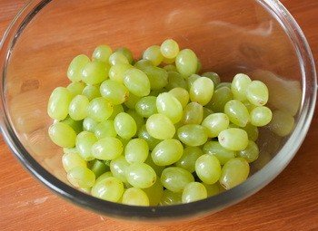 Рецепт фруктового салата с виноградом