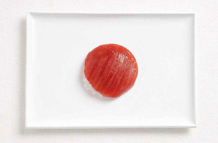 Национальный флаг Японии из еды