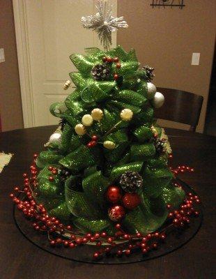 Красавица-елка из ленты-сетки
