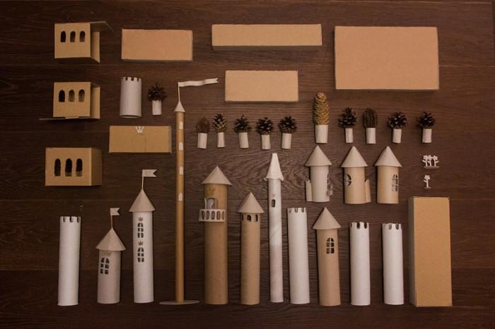 Частини замку з картону