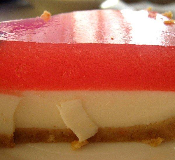 Як зробити торт-желе з кавуна. Кавуновий торт без випічки – фото 5