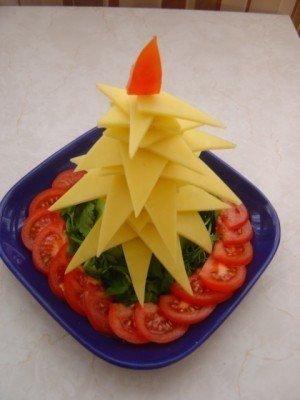 Елочка на стол из овощей - фото