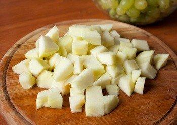 Фруктовый салат с яблоком