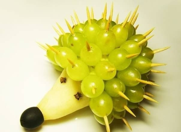 Ёжики из фруктов своими руками