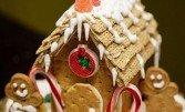 Новогодний шале изо печенья