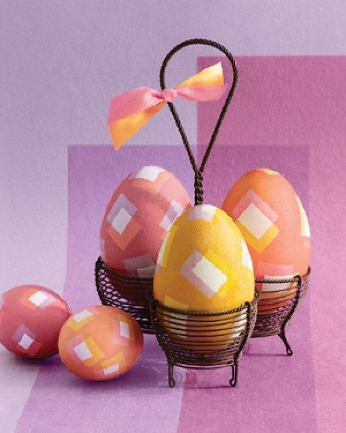 Фарбуємо пасхальні яйця, обклейка ізострічкою, крок 6