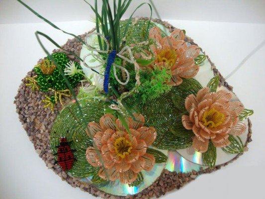 Плетем цветы из бисера