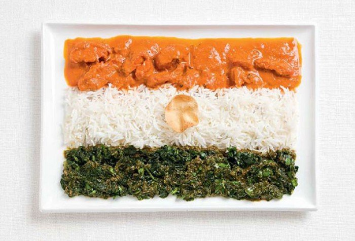 Национальный флаг Индии из еды