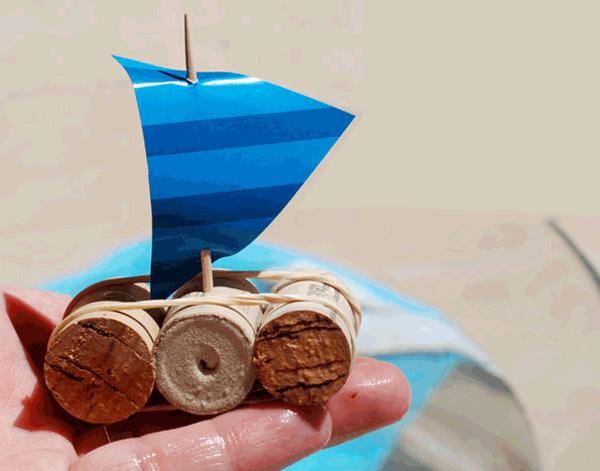 Летние поделки с детьми своими руками - кораблики из винных пробок, фото 2
