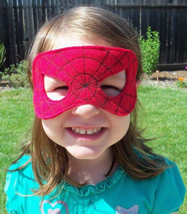 Как сделать маску Человека-паука, фото 7