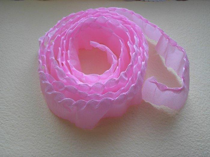 Розы из гофробумаги своими руками - фото 12