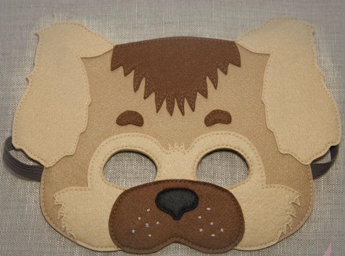 Новорічна маска з фетру