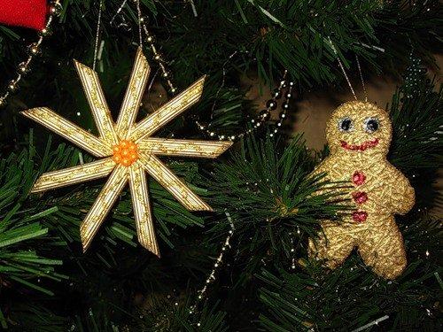 Новогодние украшения из макарон
