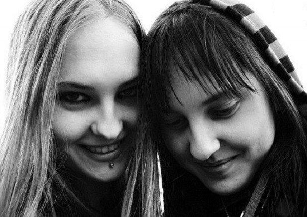 моя сестра близняшка шлюха