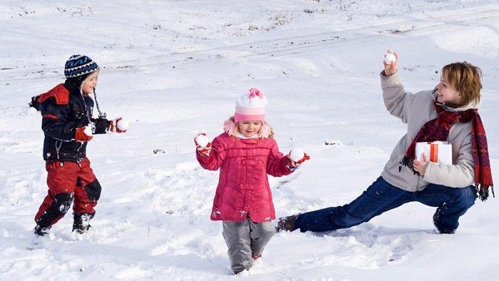 Игры на природе для детей зимой