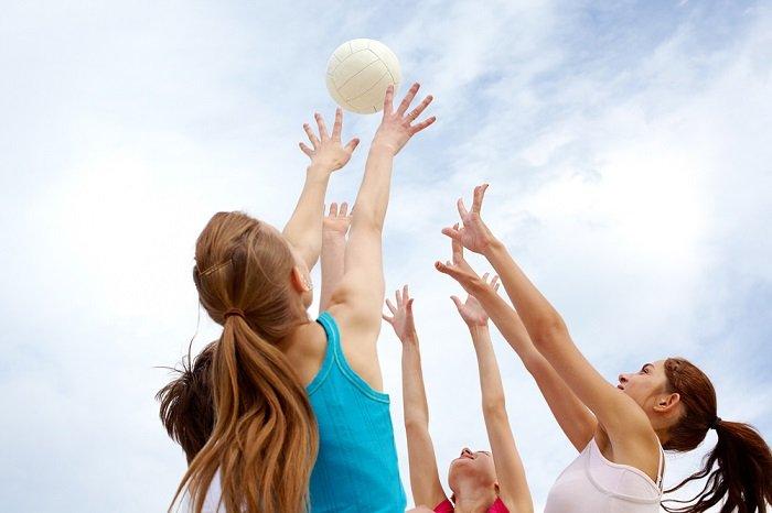 Активні ігри з м'ячем для дітей шкільного віку
